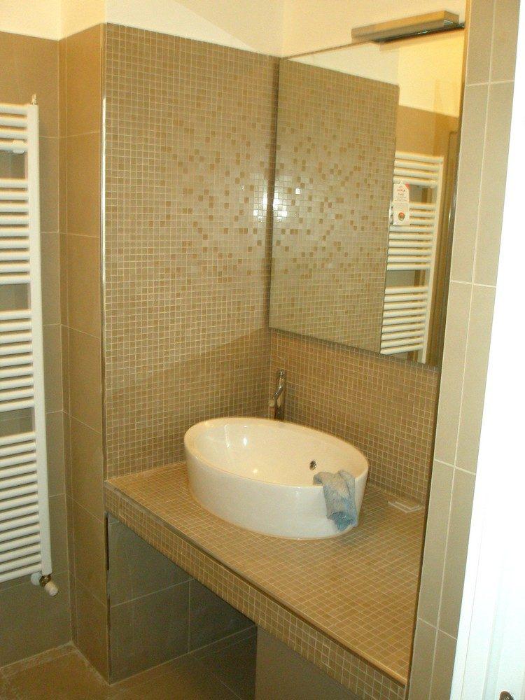 Bagni in muratura mosaico idraulica pelamatti bagno - Bagno in muratura costi ...