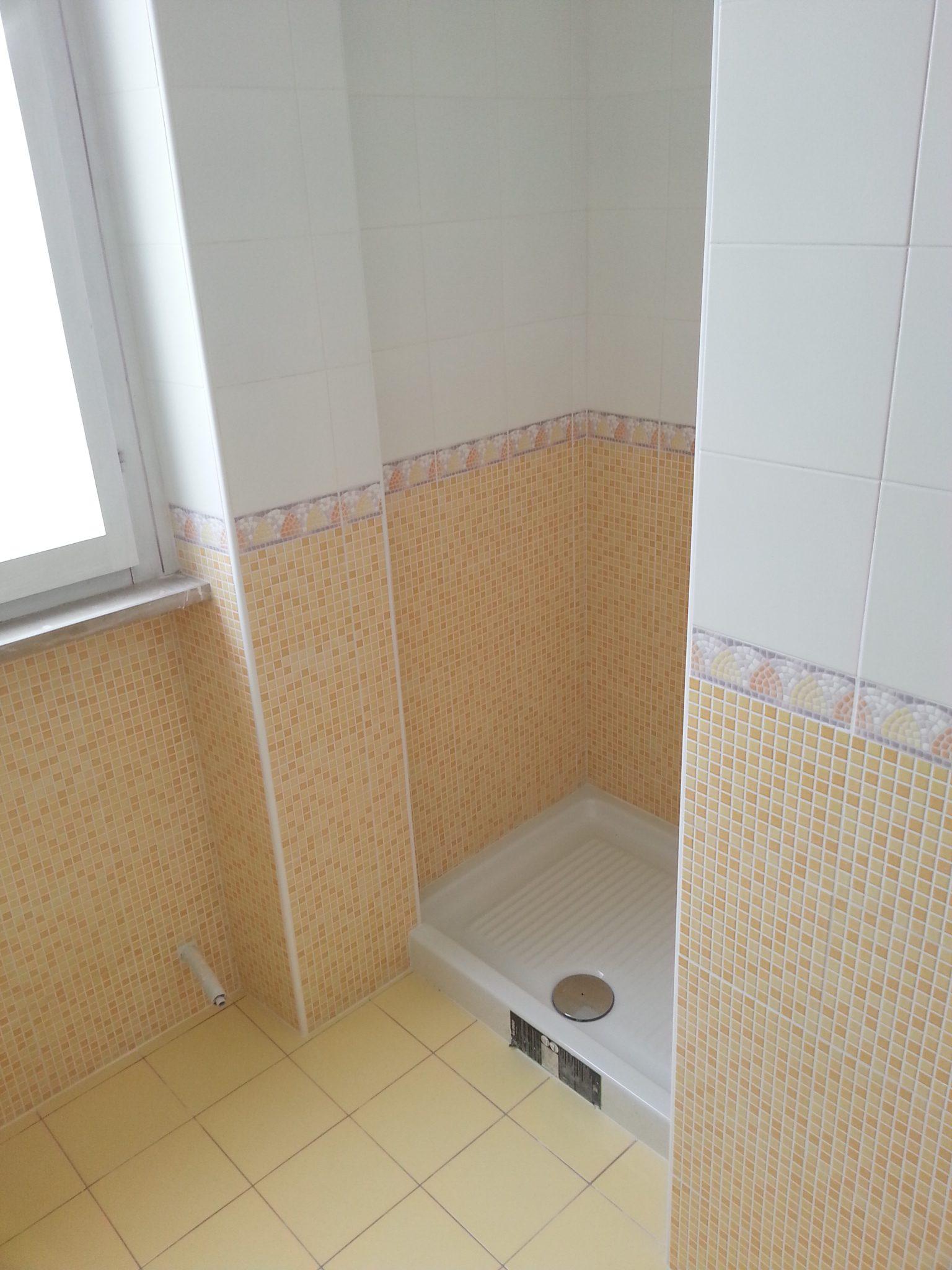 Pavimenti e rivestimenti decorazione morcianese - Greca per bagno ...