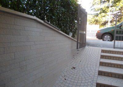 realizzazione muretto esterno con coprimuro