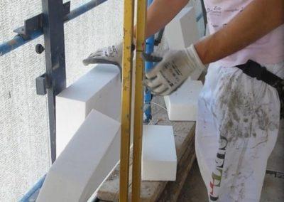 taglio su misura pannello polistirolo in cantiere