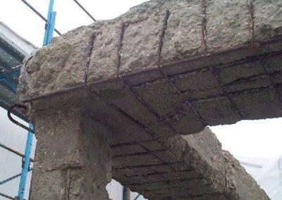 travi e pilastri in cemento deteriorato